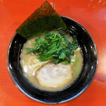 介一家 - 料理写真:醤油豚骨ラーメン(半) … 580円