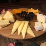 DonDonTei - チーズの盛り合わせ
