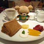 12120187 - 紅茶シフォンとコーヒー。
