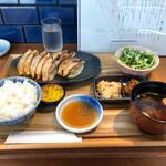 121203825 - 餃子定食