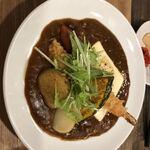 カレーの健ちゃん - 料理写真:チキンカレー エビフライとチーズトッピング
