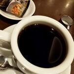 支留比亜珈琲店 - ドリンク写真:ブレンドコーヒー