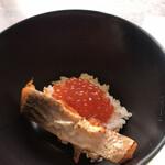 テンクウ - 朝食ビュッフェ2800円(総額)。〆の鮭といくらご飯。間違いのない美味しさです(╹◡╹)