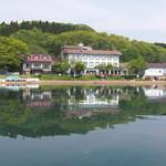 猪苗代湖畔のレストラン 中国料理 西湖 - 猪苗代湖の湖畔でした!