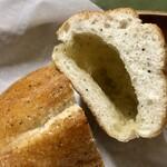 121229005 - チーズとバター入りマーガリンがジュワッと!