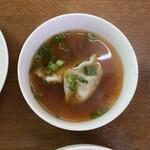 121232208 - スープには餃子が2つ
