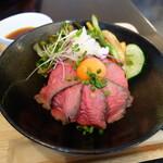 ボスケット - ローストビーフ丼