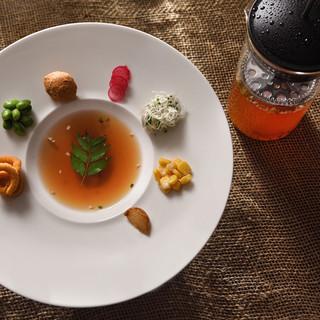 新感覚のスパイスを使った世界大注目のインド料理