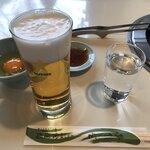 121249547 - 最初に、ビールと玉子、タレが来ました。