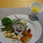 THE TENDER HOUSE DINING - サラダとスープ