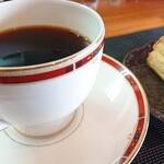イージーピット - イージーピットブレンドとコーヒーのお供