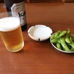 たかお食堂 - 瓶ビールとお通し