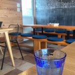 ビストロアンドカフェ タイム - 現実逃避するにはもってこい・・・。