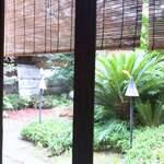 THE SODOH HIGASHIYAMA KYOTO - 窓からの中庭の眺め