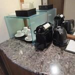 121286163 - 客室内の喫茶セット