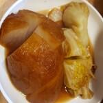 博多のおでん - 料理写真:大根と白菜ロール