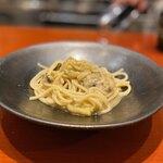 121321709 - 牡蠣と焼き茄子のペペロンチーノ