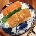 神田志乃多寿司 - 奥が鮭  手前が穴子