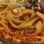 杜記 海鮮火鍋菜館 - 四川チャーシュー麺 刀削麺アップ