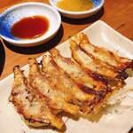 Gyouzatonikomisakanayasushishin - 焼き餃子