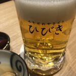 やきとりひびき庵別館 - ビールはサーバが綺麗でグッド。