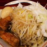 郎郎郎 - さぶろうらーめん、味玉、タマネギ。(コールなし)