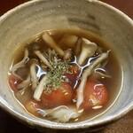 ジャム cafe 可鈴 - 【週替わりランチ(1,050円)】木の子とトマトのスープ。必ず最初に出てきます