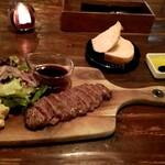 カフェ バーゼ - 料理写真:Aコース(ビーフステーキ・パン)1700円