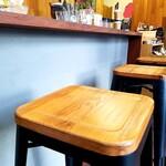 ステラ・コーヒー - 店内カウンター。
