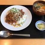 納豆スタンド 令和納豆 - 自家製キネマ風チョモランマカレー