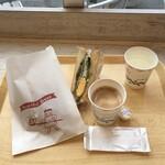 My - 料理写真:カレーパン198円、和風ベーコンエッグサンド253円、イートインサービスコーヒー