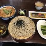 Daimaru - ざるそば、山菜そば、にしんの甘露煮、野沢菜のお漬物