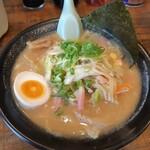 麺屋 志 - 料理写真:
