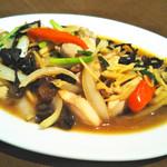 プラウチャイ - 鶏肉と生姜たっぷりオイスターソース炒め