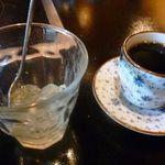 ふぐ乃小川 - デザート(柚子のジュレだったかしら)とコーヒー・