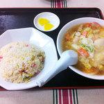 大興飯店 - 料理写真:1番 バンメン+チャーハン 600円