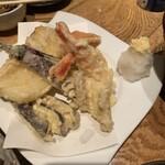 魚の三是 - 天ぷら盛り