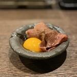 炉端 ヒトイキ。 - 国産黒毛牛みすじの炙り寿司