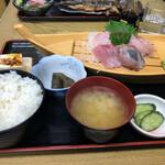 ふしみ食堂 - 刺身定食
