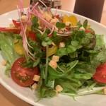 肉・海鮮料理ふじ - セットのサラダ