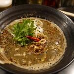 香氣 四川麺条  - 紅黒胡麻担担麺まろやかシビシビ!