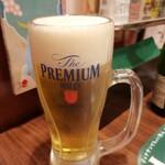 ジョナサン - ドリンク写真:ビール 美味しく注いでくれています♪