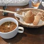 フィッシャーマンズクラブ - セットのスープとパン