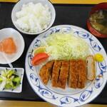 レストランはっぴぃ - 料理写真:ロースカツ定食