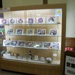 食事処 湯夢プラザ - 入り口のメニュー(サンプル写真)