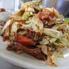丸新 - 料理写真:キャベツと肉の味噌炒め(ごはん、味噌汁、お新香つき600円)