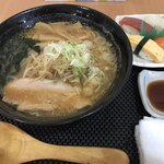 結寿季 - 料理写真:火曜日のランチメニュー「ラーメンすしセット」 ラーメンは(味噌・塩・正油から選べる)味噌。 (右手前 白いのは おしぼりです)