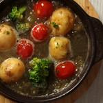 Restaurant&Cafe Lily - トマトとブロッコリーアヒージョ