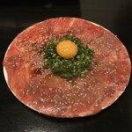 泡組 熊谷店 - 黒毛和牛の炙りユッケ。                                 美味し。
