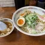 121448045 - 油そば 700円 スープ付                       中盛 +50円                       味付玉子 +100円